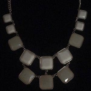 Jewelry - White and gold tone Statement Necklace